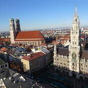 92mの塔から市庁舎を見下ろす絶景