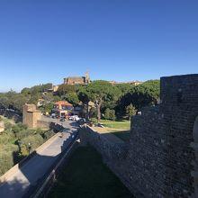 城塞 (モンタルチーノ)