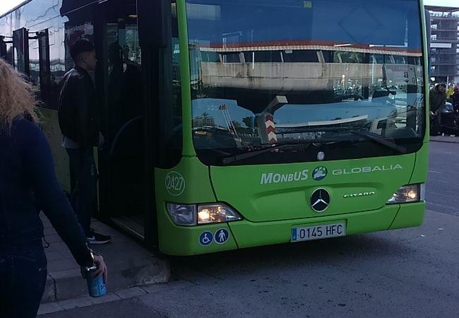 エアポートシャトルバス (バルセロナ エル プラット空港)