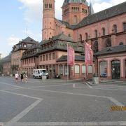 大聖堂前広場