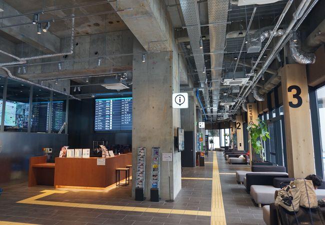 ホステルもある!カフェバーもある!高速バスターミナルより快適?な格安バスターミナル
