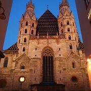 ウィーンのシンボル!しかし2度目の訪問もまた補修工事中でした。