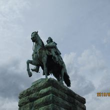 皇帝ヴィルヘルム2世騎馬像