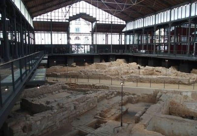 昔の町の遺跡が公開されている