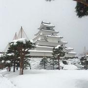 雪景色の鶴ヶ城
