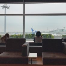 羽田空港 エアポートラウンジ (第2旅客ターミナル4F 北ピア)