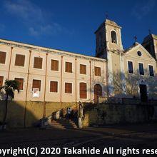 カルモ教会とカルモ広場