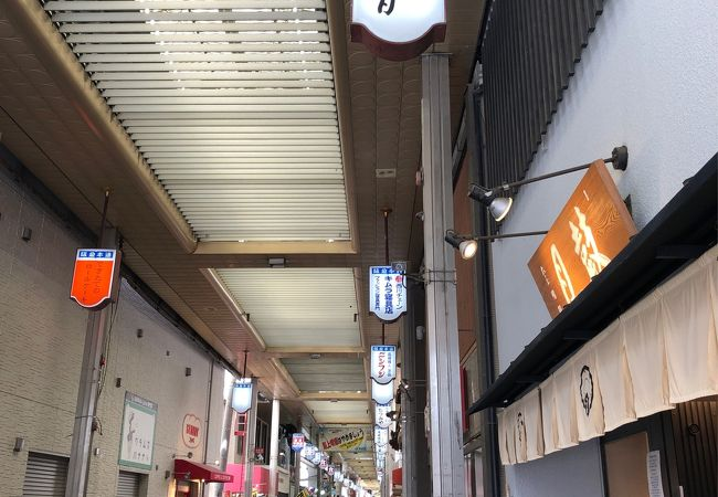茨木阪急本通商店街、活気あります
