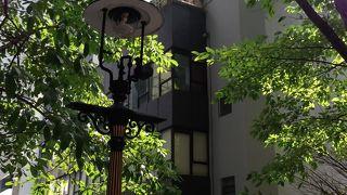 ダデル ストリートのガス燈