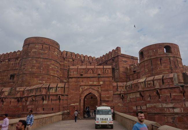 タージ・マハルを造った皇帝が幽閉されていた城塞