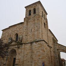 サン ペドロ & サン イルデフォンソ教会