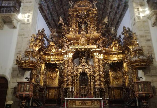サン マルティン ピナリオ修道院