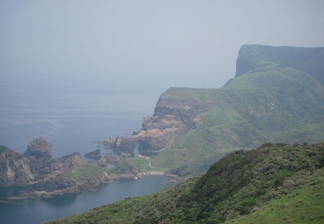 高さ257メートルの摩天崖は国内最大級の海蝕崖として知られています。