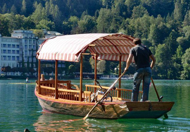 Pletana (ブレッド島へのボート)
