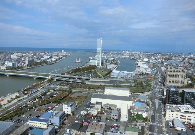 新潟日報 メディアシップ