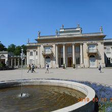 ワジェンキ宮殿 (水上宮殿)