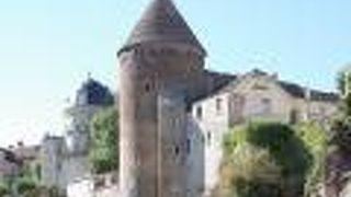 スミュール アン オーソワの塔