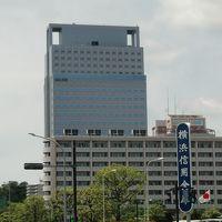 横浜テクノタワーホテルの海側(東側)の外観