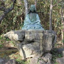山田検校銅像