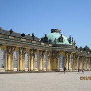 華麗な宮殿や庭園