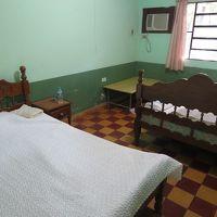 この部屋はダブルベッドだが、2段ベッドの部屋もある。
