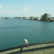 新幹線からの浜名湖の風景