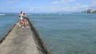 クイーンズ・サーフ・ビーチは観光客は少なくローカルも利用する、比較的静かなビーチです。