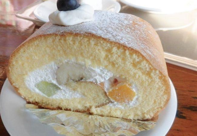 美味しいケーキやお菓子がたくさん