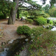 出水の小川 (京都御苑内)