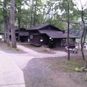 名取川の清流を見ながらキャンプできます