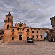 サン ピエトロ カヴェオーゾ教会