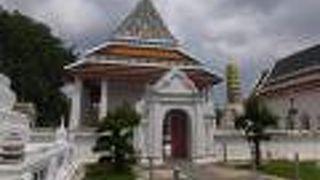 Wat Nang Chi Chotikaram