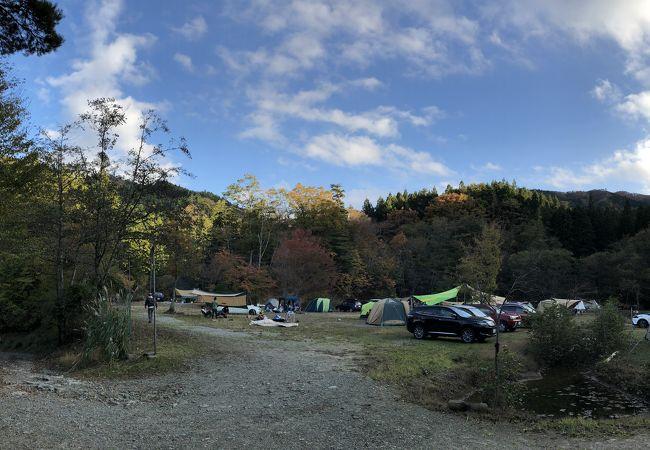 森の中のキャンプ場!
