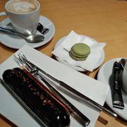 カフェはおしゃれな大人の空間