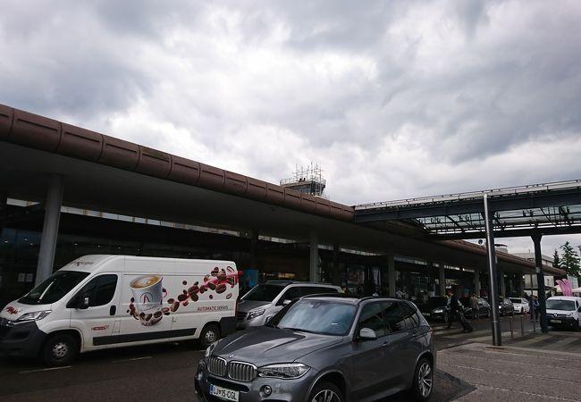リュブリャーナ ブルニク空港 (LJU)