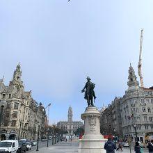 ドン ペドロ4世の像