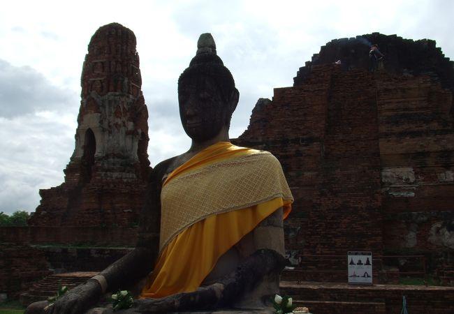 ワット プラ マハタート 五体満足の仏像