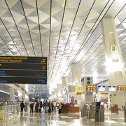 進化したジャカルタのハブ空港