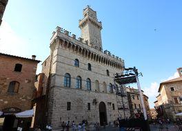 市庁舎 (モンテプルチャーノ)