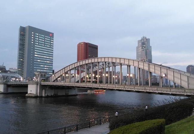 夕方の勝鬨橋は素敵な散歩コース