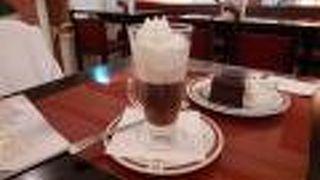 インスブルックでもカフェ ザッハーに入ってみました!!