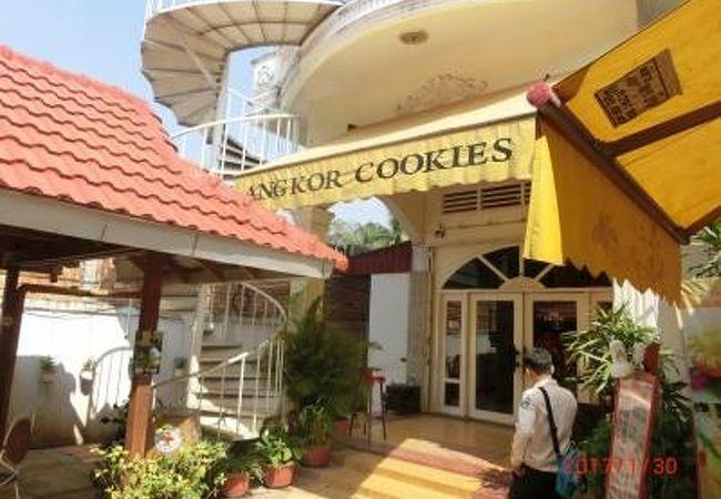 日本人経営のクッキーの土産店でカフェを併設している