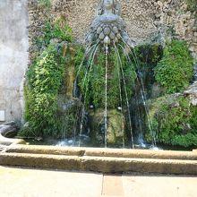 アルテミスまたは母なる神の噴水