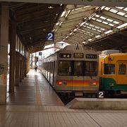 京阪電車の旧三千系車両が走る富山地鉄