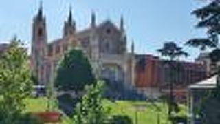 サン ヘロニモ エル レアル教会
