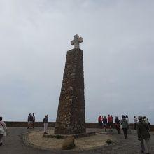 岬に立つ塔です