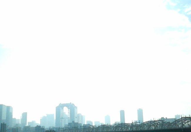 西中島南方駅近く、梅田のそばのオアシスのような公園