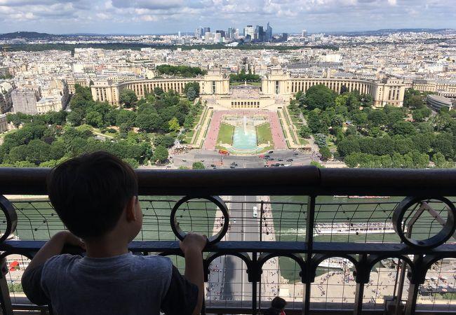 パリの素敵な景色を見ることができましたが…