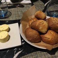ホテルレストランのパン 固め