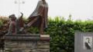 お宮の松 貫一 お宮の像